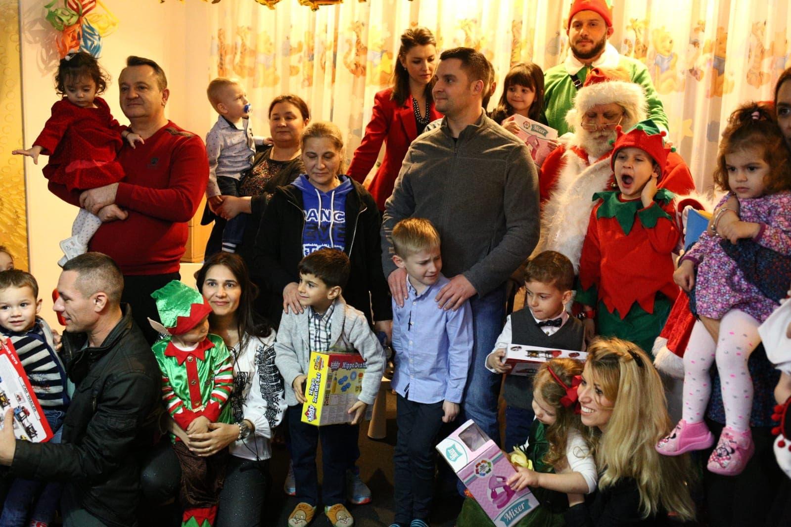 Serbare de Crăciun la Grădinița Tărâmul Fermecat