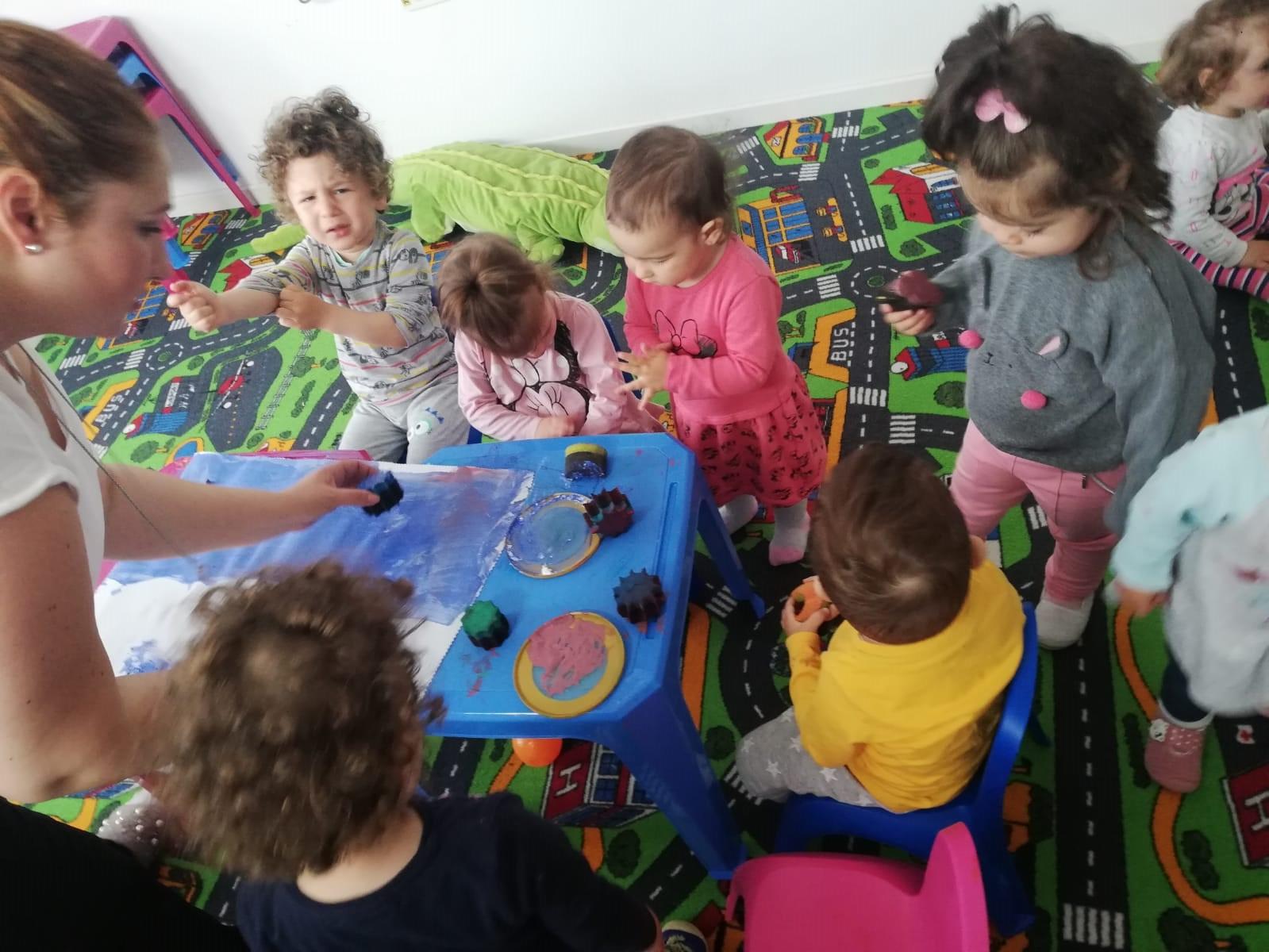 activitati grupa baby-fluturasi de la cresa taramul fermecat din bragadiru